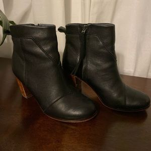 Black leather Toms booties